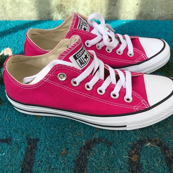 9c330d04d5d0 Dark pink Converse All Star low tops womens